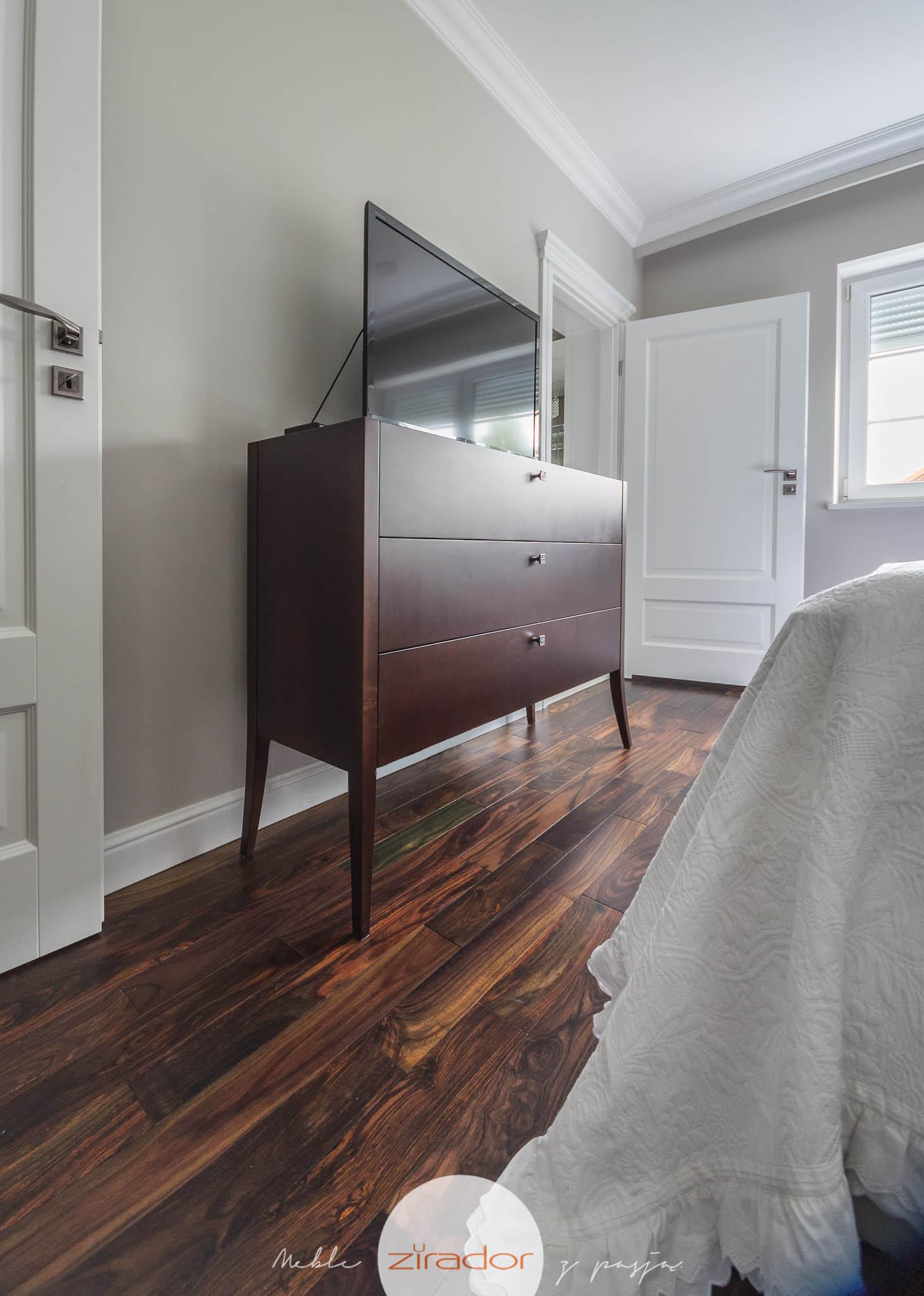 klasyczne meble do sypialni komoda