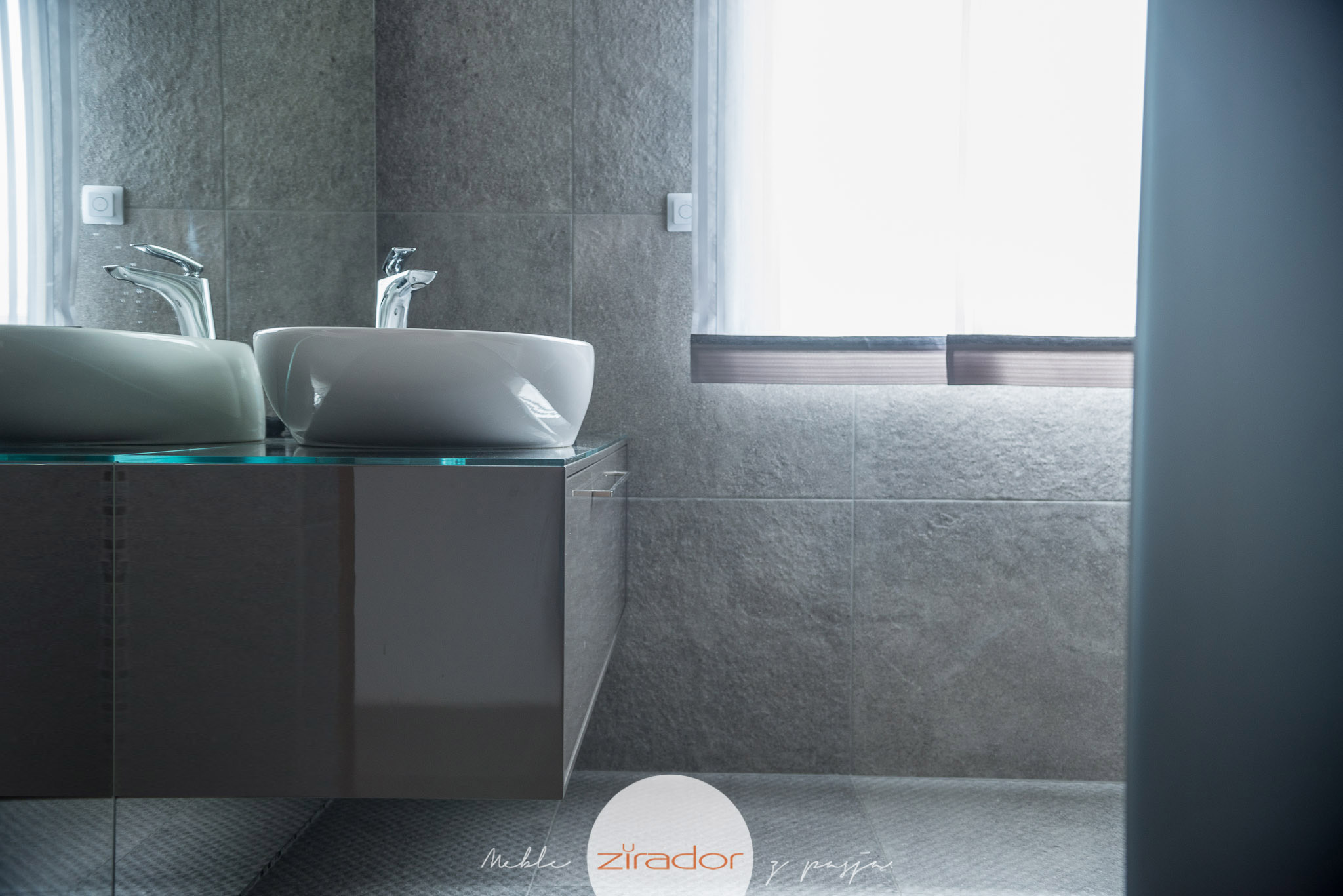 meble łazienkowe odporne na wilgoć