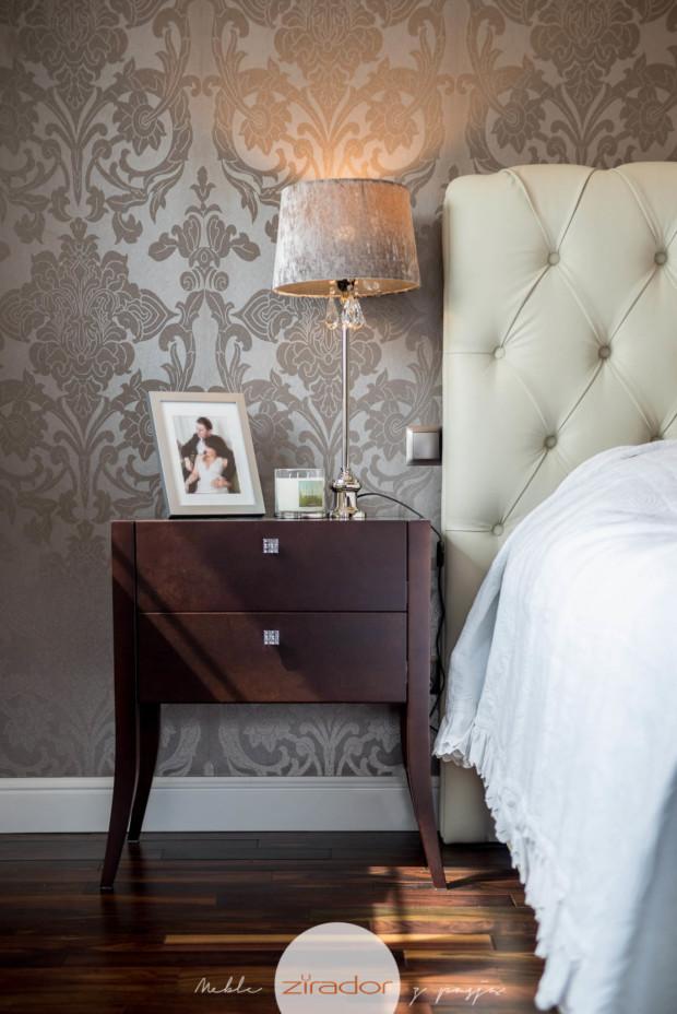 klasyczne meble do sypialni stolik nocny